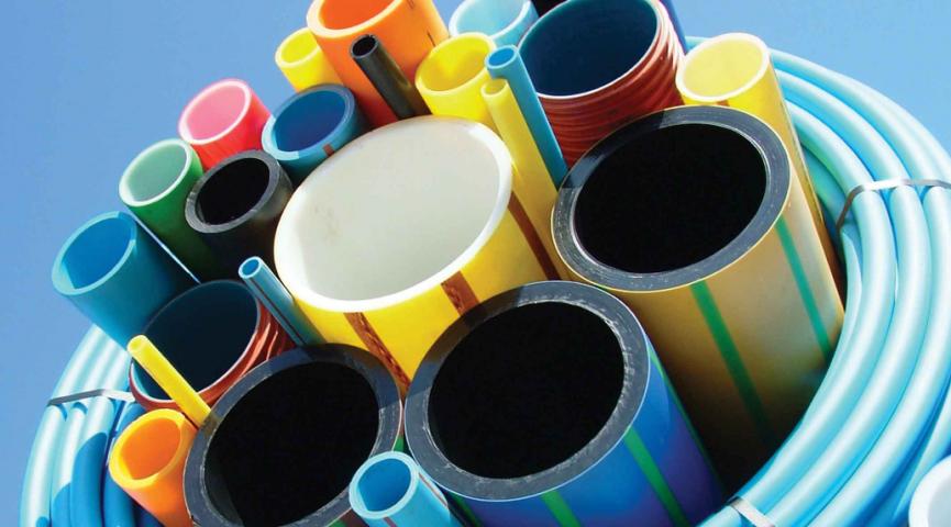 Nestandartiškai sumontuotų plastikinių vamzdžių gaisrinė sauga.